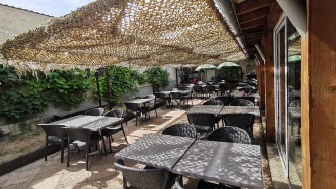 Terrasse - Santa Baia, Saint-Fons