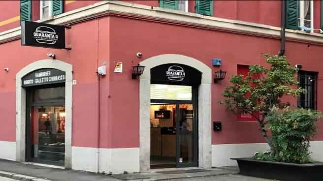 LOCALE - Quaranta4 Hamburgheria, Brescia