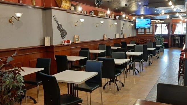 Vista del interior - Gutty Grill, Pamplona