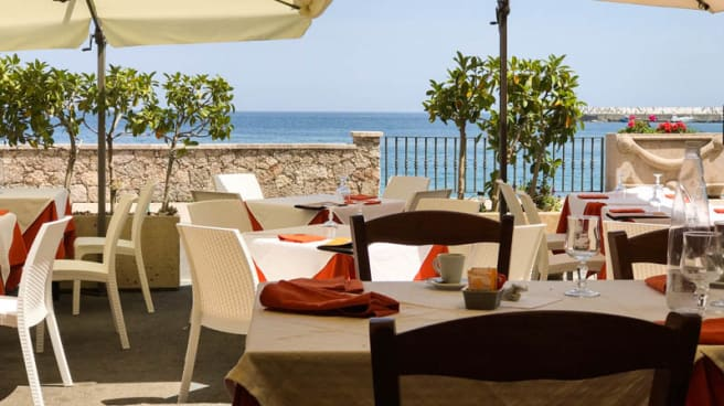 Terrazza - Capitano Uncino, Giardini Naxos