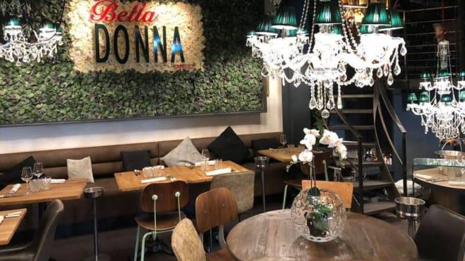 salle - La Bella Donna en Ville, La Rochelle