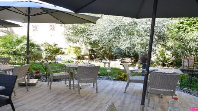 Terrasse - Le Jardin de Tienou