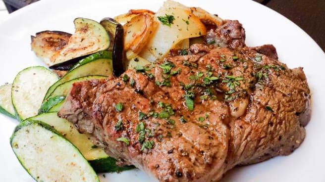 La bistecca con zucchine e patate - Riverside Gastropub