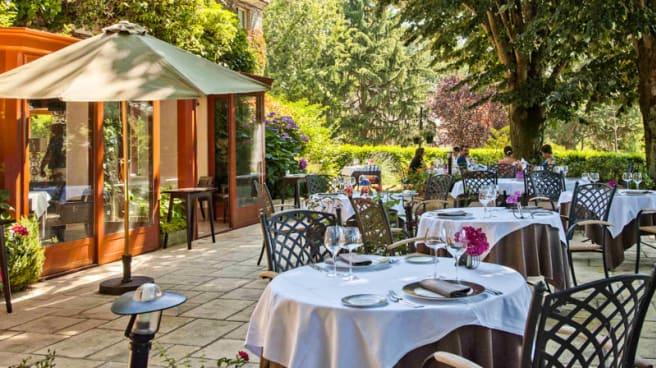 la terrasse - Hôtel Restaurant Quintessia, Orvault
