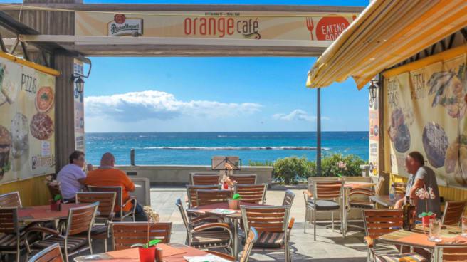 Vista de la sala - Orange Café, Costa Adeje