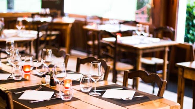 Salle - Restaurant des Chasseurs, Ascain