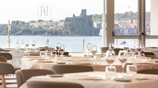 Sala - Faraglioni Restaurant, Aci Castello