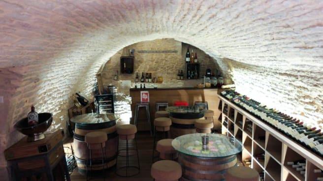 vue de la salle - Au Caveau 21, Dijon