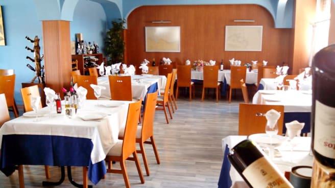 Detalle de las mesas - Castillo De Proa, La Manga del Mar Menor