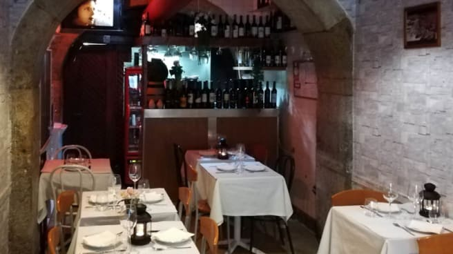 Vista da sala - Taverna Alfacinha, Lisboa