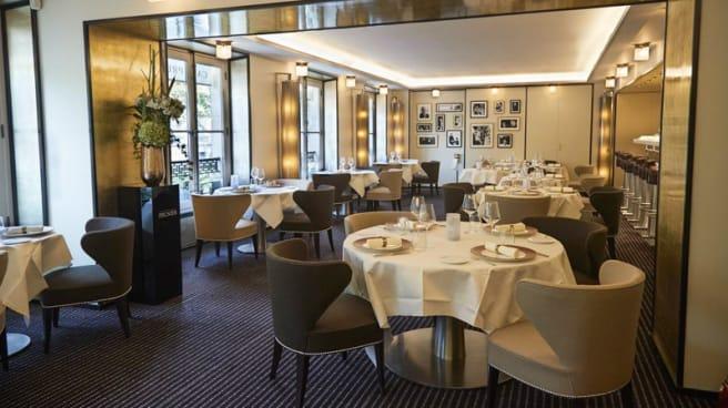 La salle de restaurant - Café Prunier, Paris