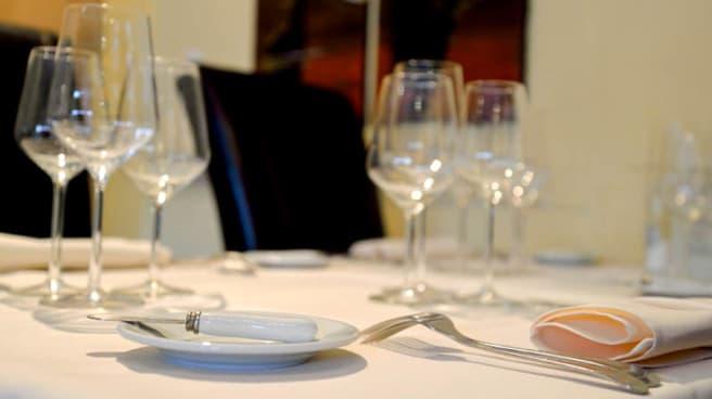 table dressée - L'Olivier des Sens