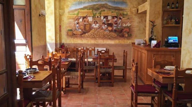 Sala del restaurante - Tamán, Madrid