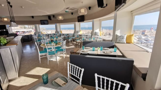 Vista da sala - Stuppendo Beach, Carcavelos