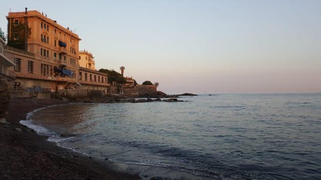 Esterno - Liggia, Genoa