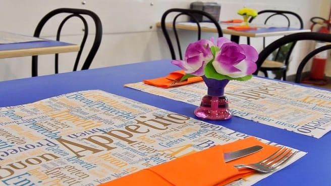 Particolare tavolo - Un Pezzo Di Rustica, Ladispoli
