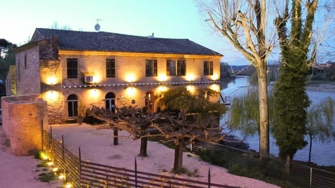 Exterieur - Le Moulin des Artistes, Remoulins