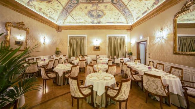 Vista della sala con gli affreschi dei Carracci - I Carracci, Bologna