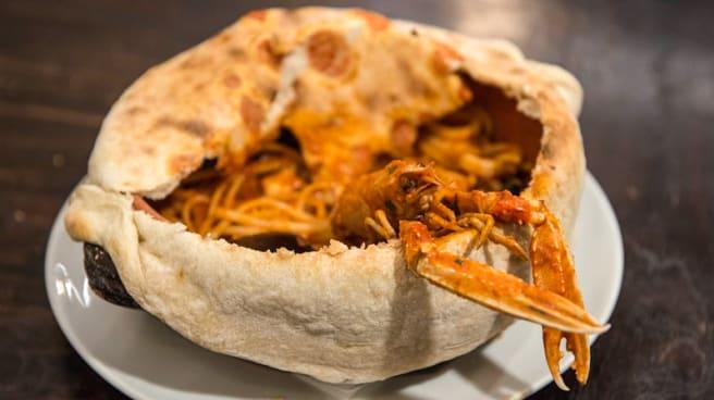 Linguina in crosta ai frutti di mare - Tabula Rosa Restaurant & Pizza, Lecco