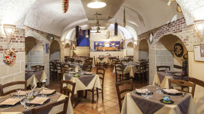 Sala - A Canzuncella, Naples