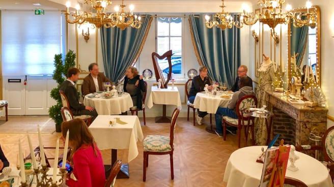Cour intrieure - ReminiSens, Restaurant Théâtre, Versailles