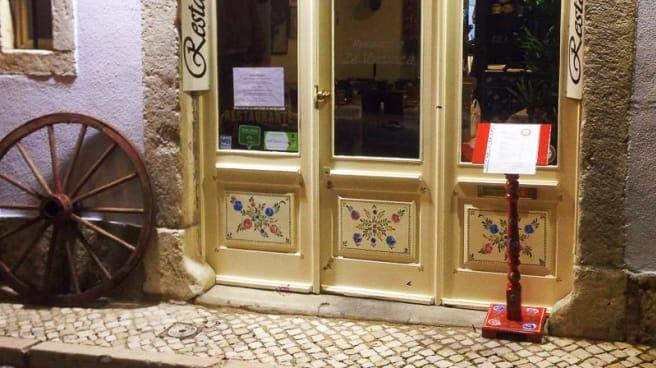 Entrada - Zé Varunca - Bairro Alto, Lisbon