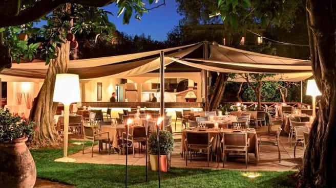 Terrazza - L'Orangerie Poolside Bar & Restaurant, Sorrento