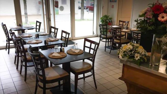 Vue de la salle - Kadyz Cuisine du Monde, Saint-Ouen-l'Aumône