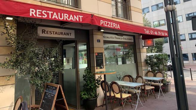 Devanture - Pizza Camilia, Levallois-Perret
