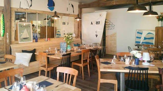 Restaurant - salle couverte - La Cabane sur les Quais, Paimpol