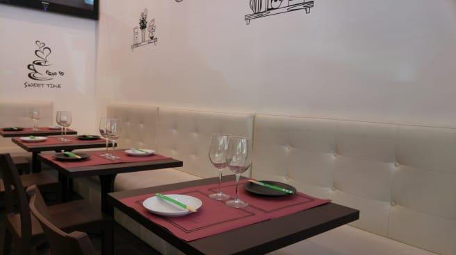 Sala - Caronte's Café, Madrid
