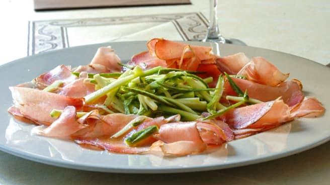 Carpaccio di lombo con insalata di zucchine crude - Taverna dei Fieschi