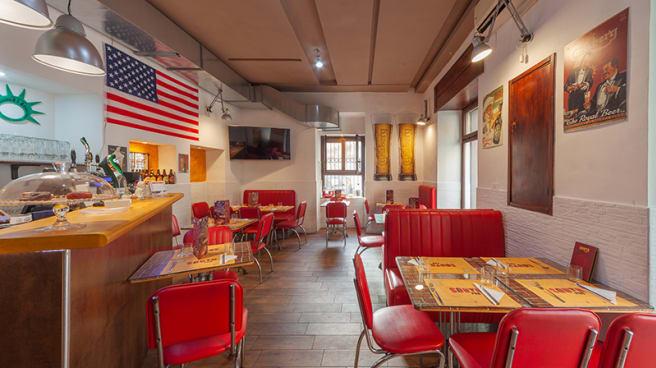 Vista della sala - South Pub, Napoli