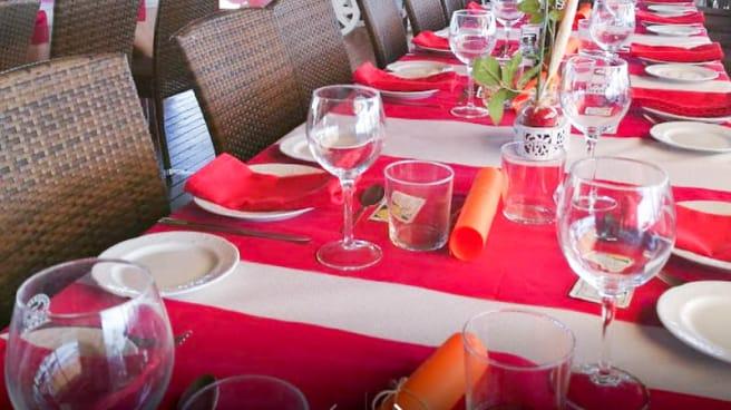 Detalle de la mesa - Laguna Beach, Torrox