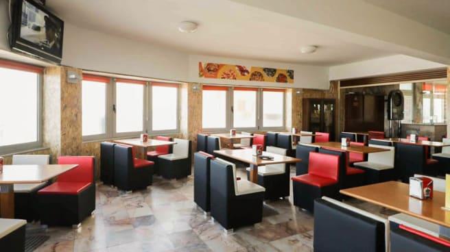 Vista da sala - Meia Laranja Restaurante Marisqueira