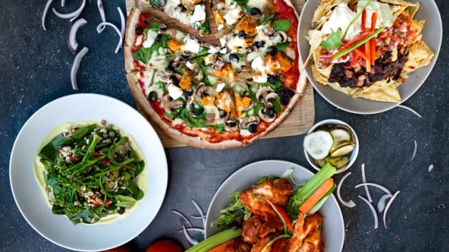 Food Plates - The Common Man Restaurant Bar, South Wharf (VIC)
