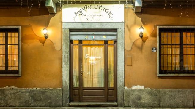 Entrata - Revolucion, Torino