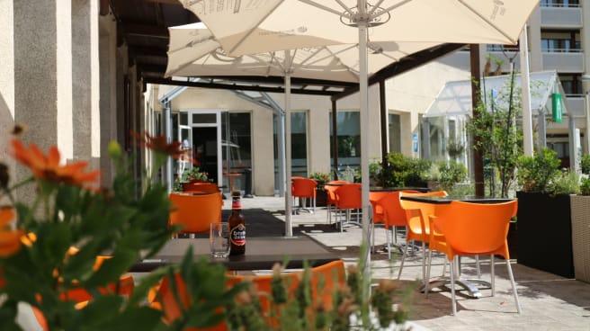 Terraza - Campanile Barberá - restaurant
