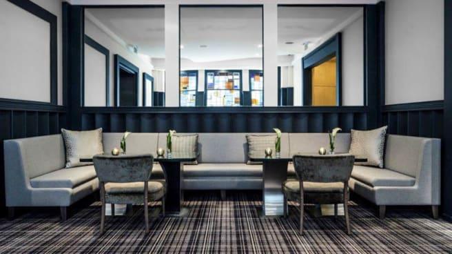 salle - Bar E7, Paris