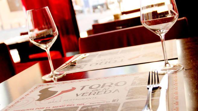Detalle mesa - El Toro de la Vereda, Leganés