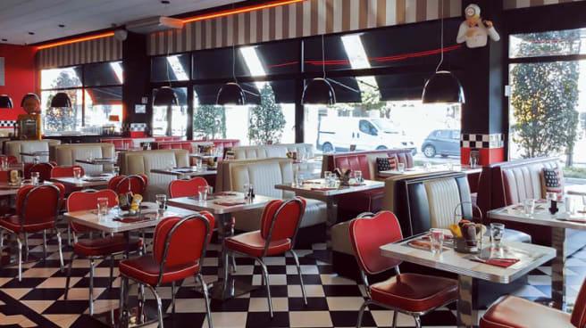 Vista sala - All American Diner Sesto San Giovanni, Sesto San Giovanni