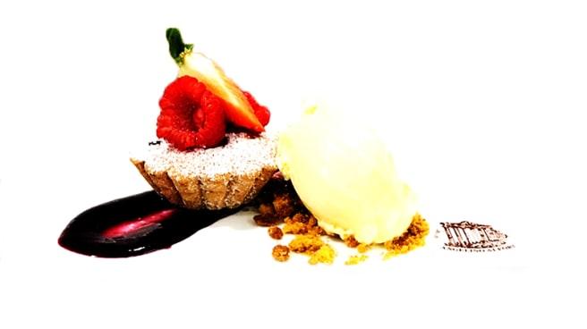 """Dessert del Giorno - Frolla, Marmellata d'Uva e Crema all'Uovo - Angelino ai Fori """"dal 1947"""", Rome"""