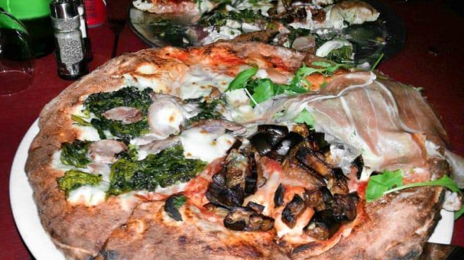 pizza - Ricomincio da Tre Agnano, Napoli