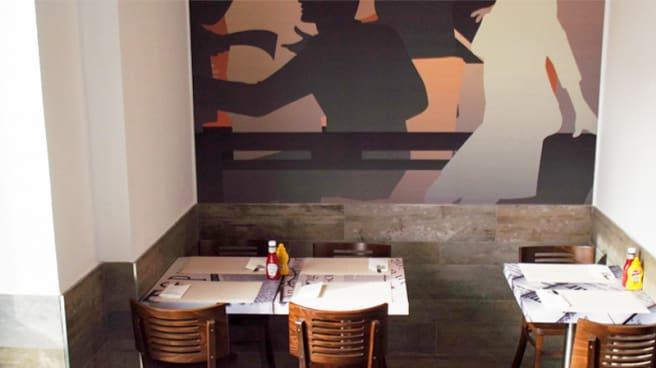 mesas - News Café, Madrid