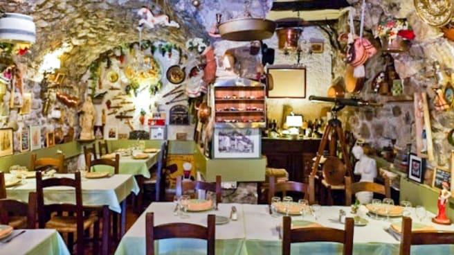 Vue de la salle - Taverne Villaroise