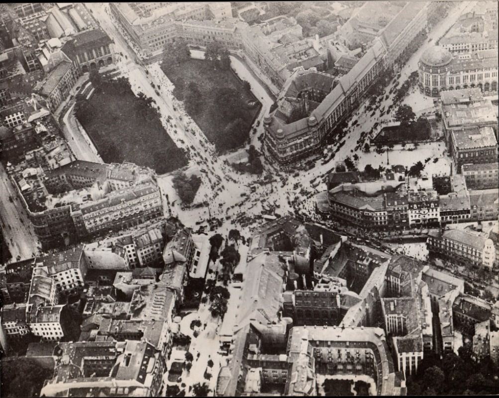 The busiest traffic intersection in Europe: Potsdamer Platz in the 1920s and 30s
