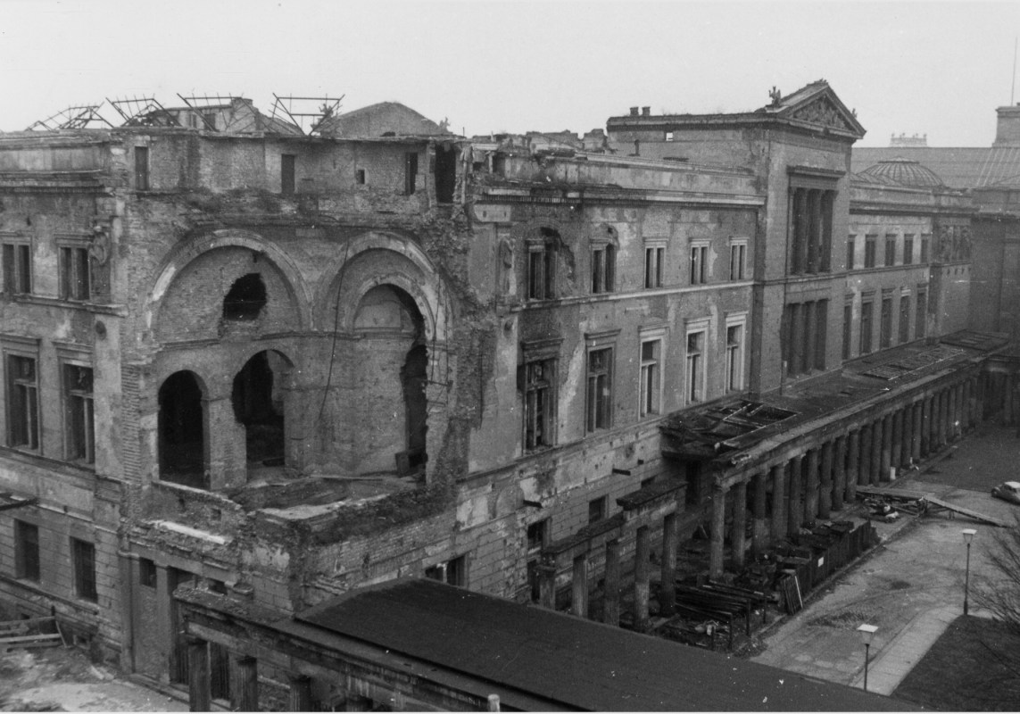 Neues Museum after the War