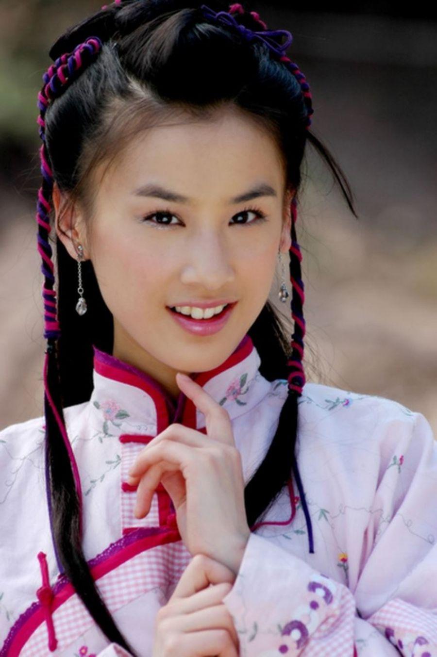 ... giả cho cặp đôi Tôn Phi – Đậu Trí Khổng (vai Viên Thừa Chí) vẫn khiến  khán giả thỏa mãn. Đặc biệt với nhan sắc xinh đẹp của cô nàng A Cửu.