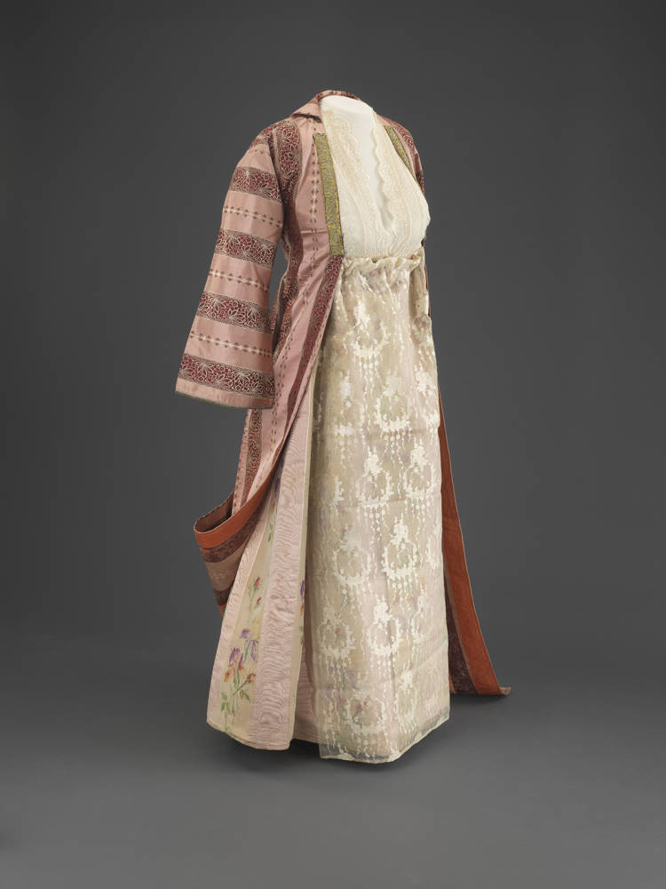 Married woman's ensemble