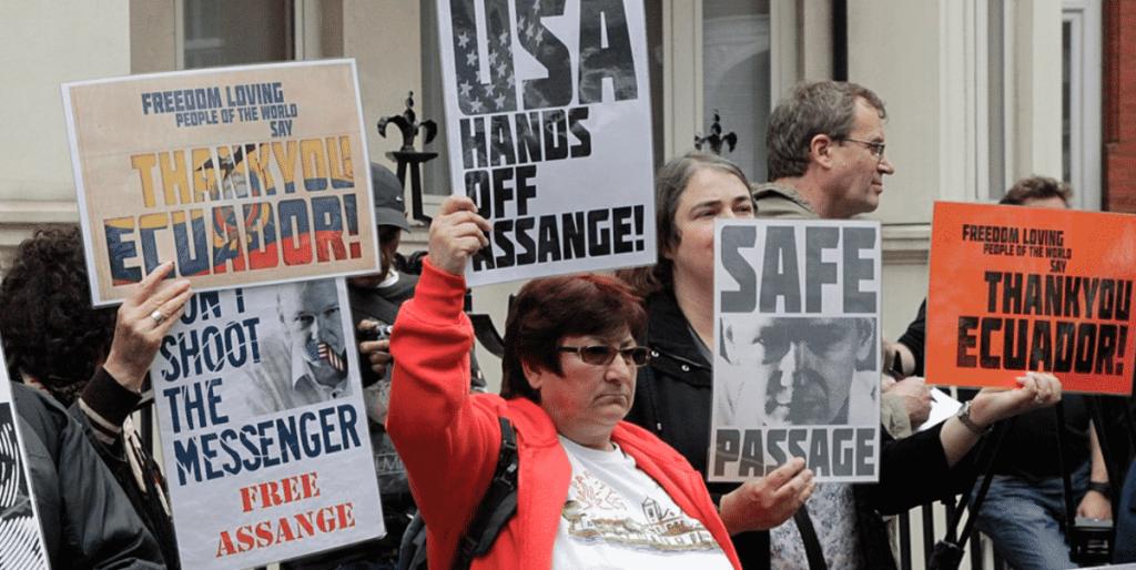 Against Diplomatic Asylum of Julian Assange
